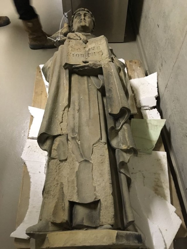 Weathering on the statue of Thomas Aquinas