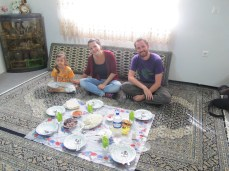 02- Anzali - Family lunch