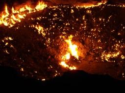 24 - Darvaza - Gas crater (hell's door)