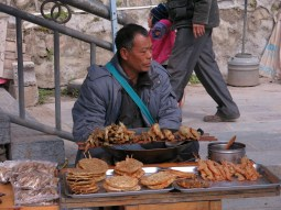03 - Street river food - Xingping