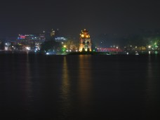 08 - - Hanoi - lake