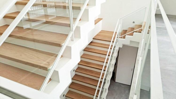 【台南木地板/客製化樓梯】昇揚木地板|客製化日系空間打造推薦|台南超耐磨地板推薦|無印風居家環境設計
