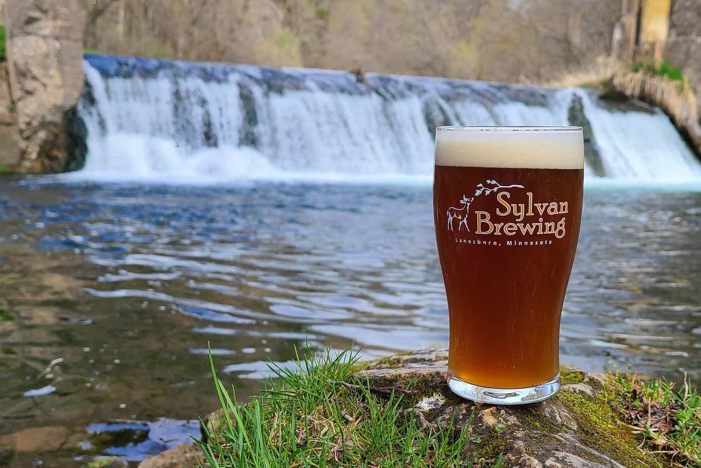 Sylvan Bucksnort Nut Brown Ale • Photo via Sylvan Brewing