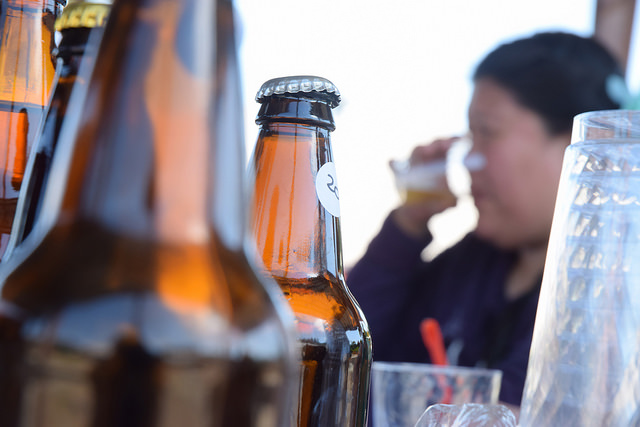 Homebrew tasting by James Brooks on flickr (CC BY 2.0)