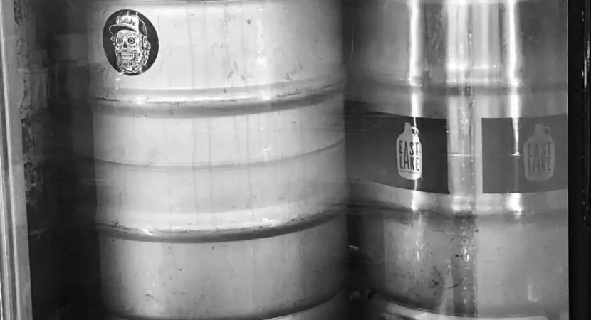 how much does a keg weigh
