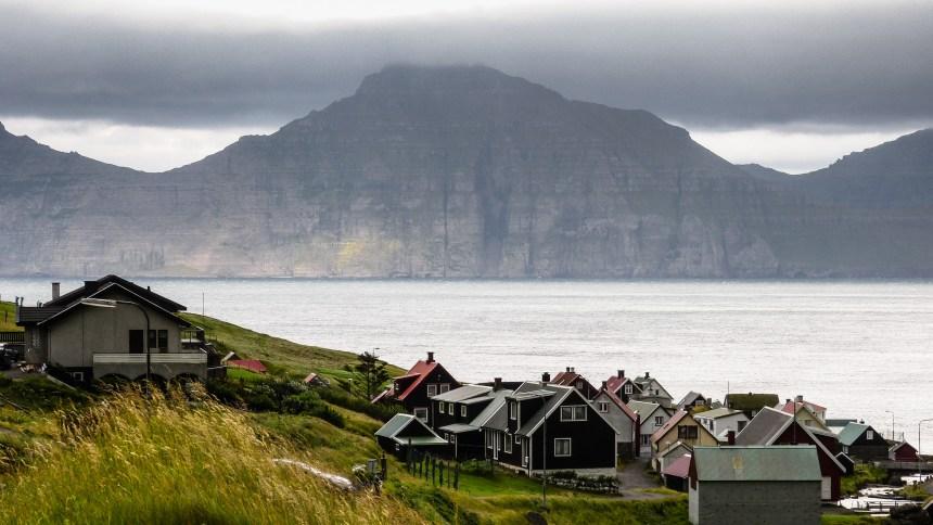 Das Dorf Gjöv auf der Insel Eysturoy
