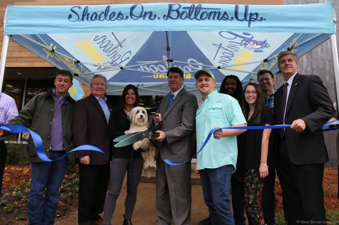 Ribbon cutting ceremony at Pontoon, 2017