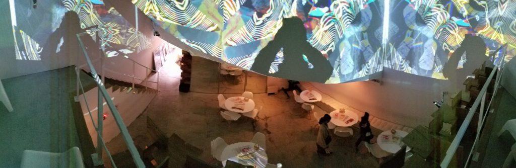 DK Art café Inside・ディケイアートカフェ店内