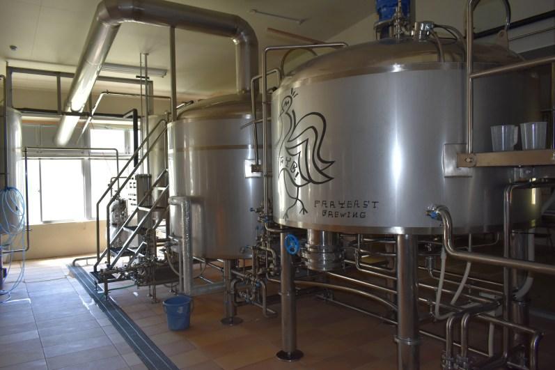 Far Yeast Brewing Inside 1・ファーイーストブルーイング中内1