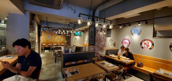 Ottotto Brewery Shibuya Inside 2・オットットブルワリー渋谷道玄坂店店内2