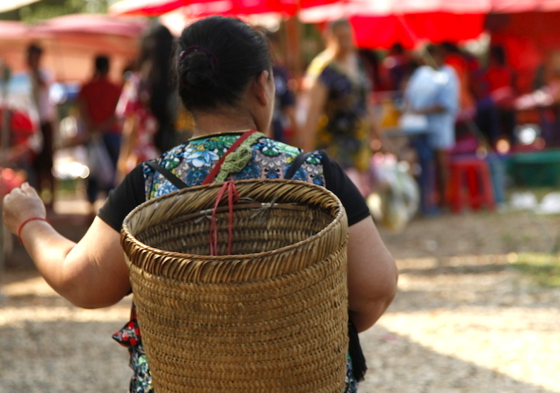 A VISIT TO HMONG HILLTRIBE NEW YEAR MARKET