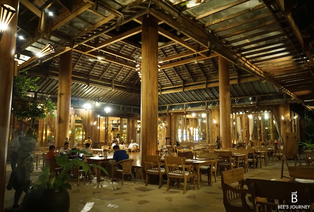 Santhiya Resort and Spa dinner buffet restaurant food Bee's Journey Food Travel Lifestyle Blog
