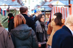 Customers browsing at the Fringe Arts Fair - Photo by Zac Pickin