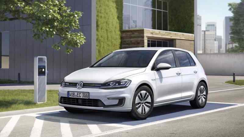 Volkswagen_e-Golf_1