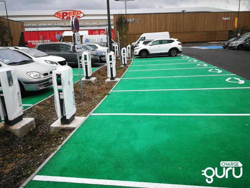 ChargeGuru installation borne de recharge vehicule electrique entreprise