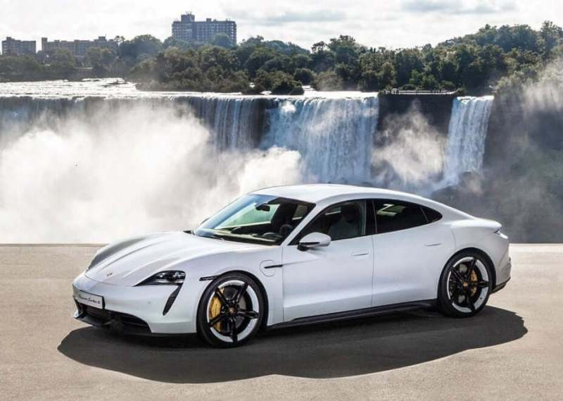 voiture-électrique-sportive_Porsche Taycan