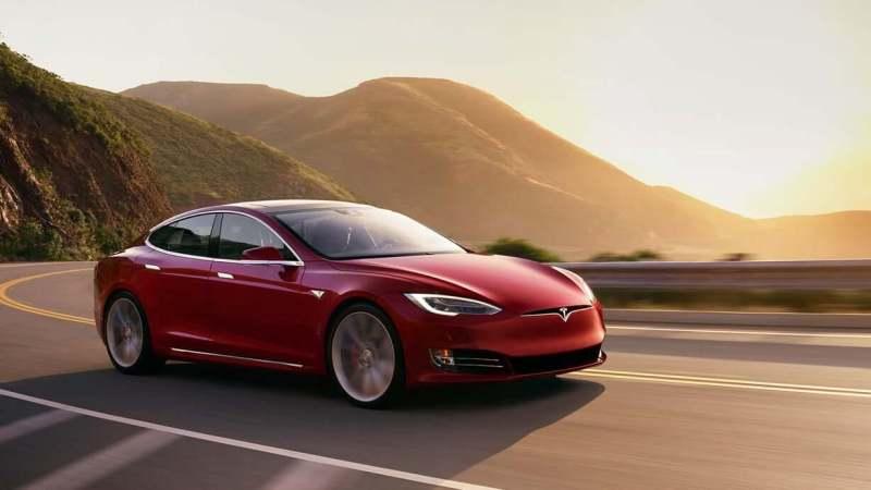 Tesla Model S voitures électriques luxe