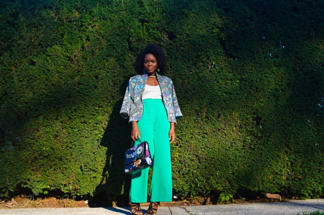 befitting-style-oyinkan-wearing-bright-green-pants-blue-green-blazer-8