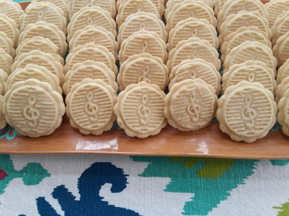 Use mooncake molds to create stamped sugar cookies!  Before3pm.com