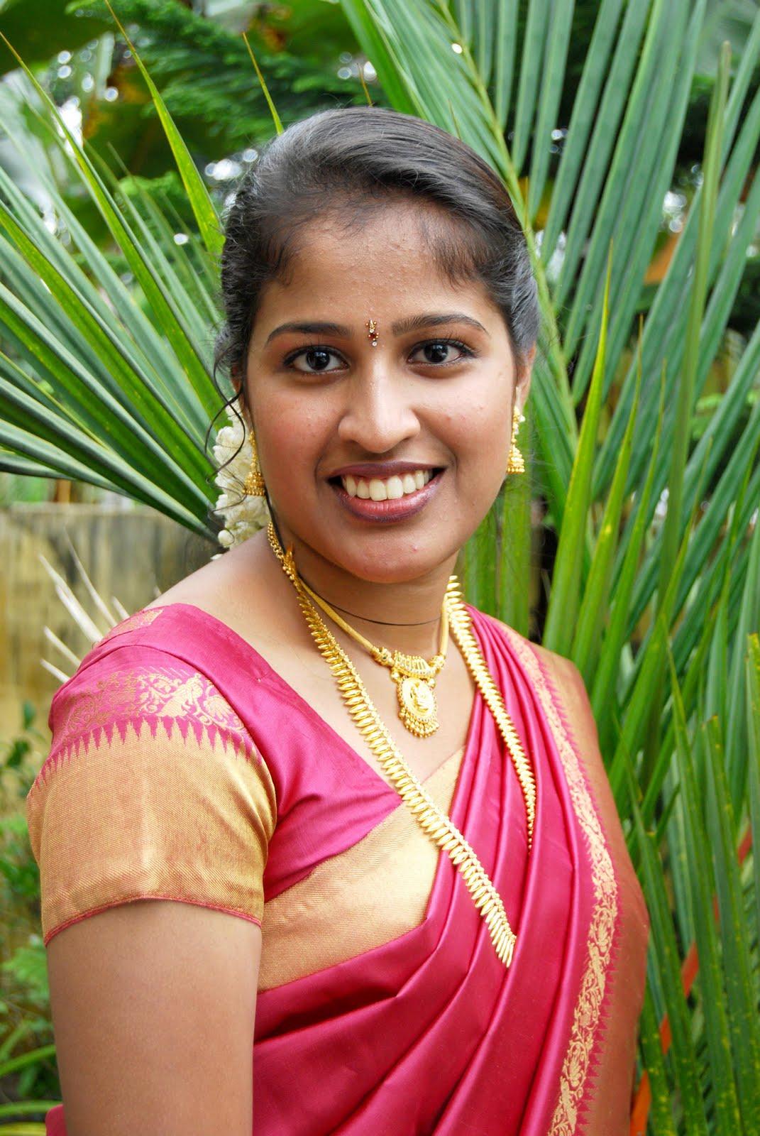 Mulai Tamil Galeary Aunty