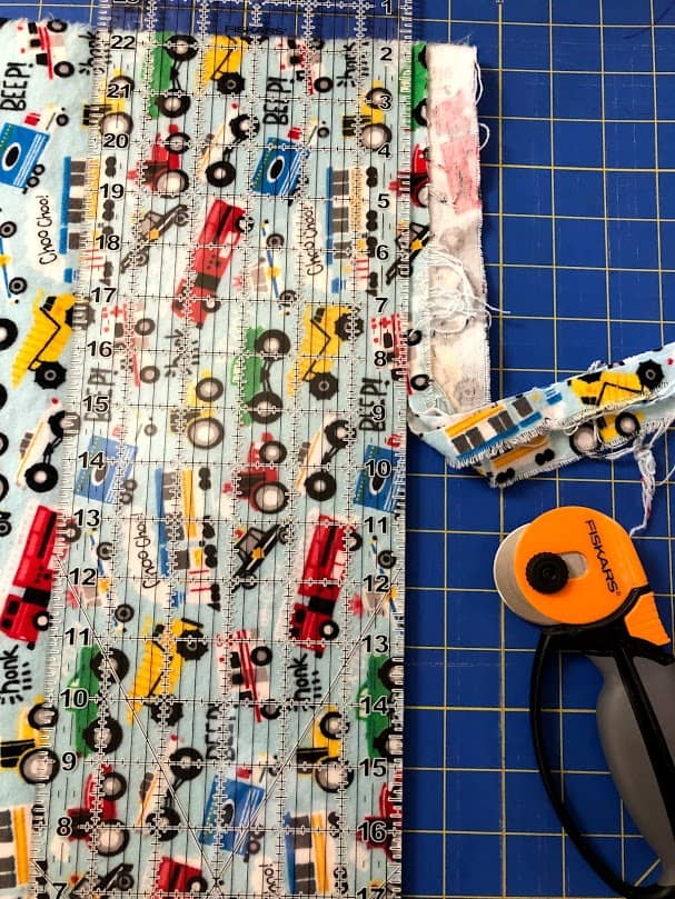 Sewing tutorial: How to square up fabric