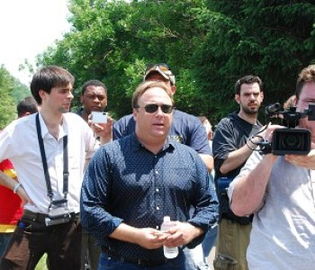 Alex Jones at Bilderberg Group meeting | Illuminati New World Order