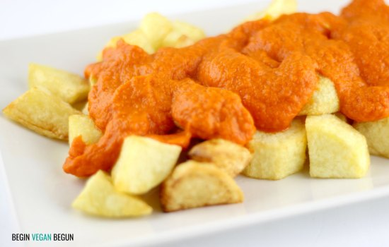 Patatas bravas caseras (veganas)