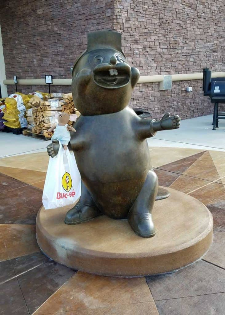 Buc-ee's mascot statue