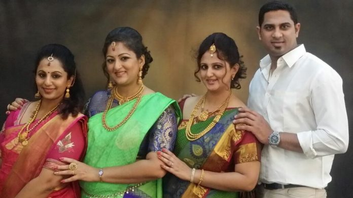 Rekha krishnappa with her family
