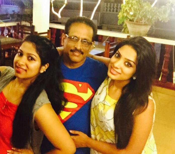 Diya With her Sister and Father