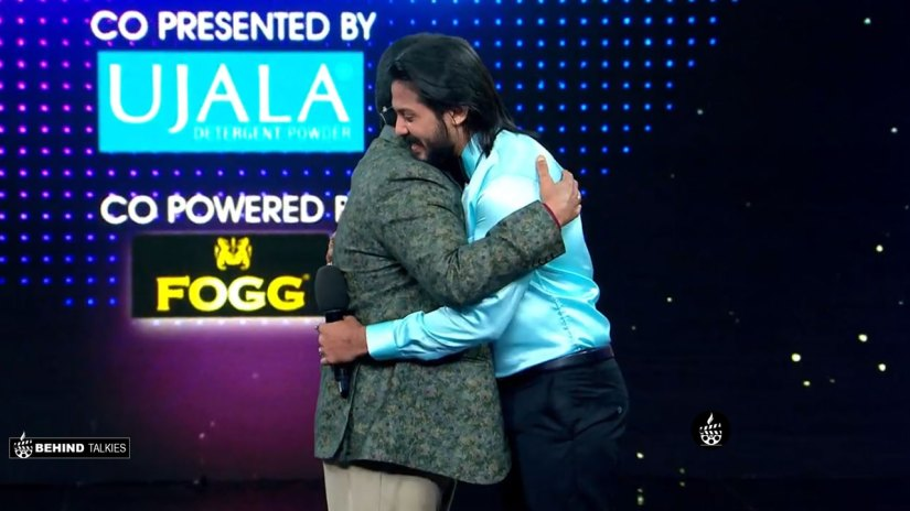 David John Hugging Mohanlal in Bigg Boss