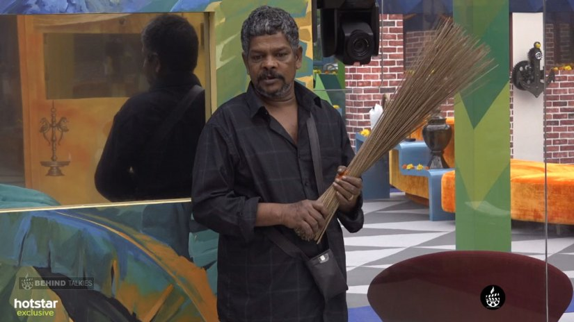 Suresh Thampanoor Room Cleaning In Bigg Boss House