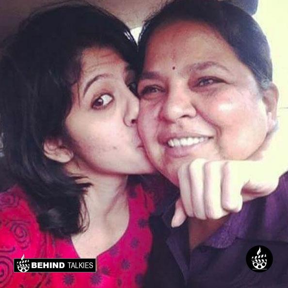 Tanvi Hegde with her mom Shobhana