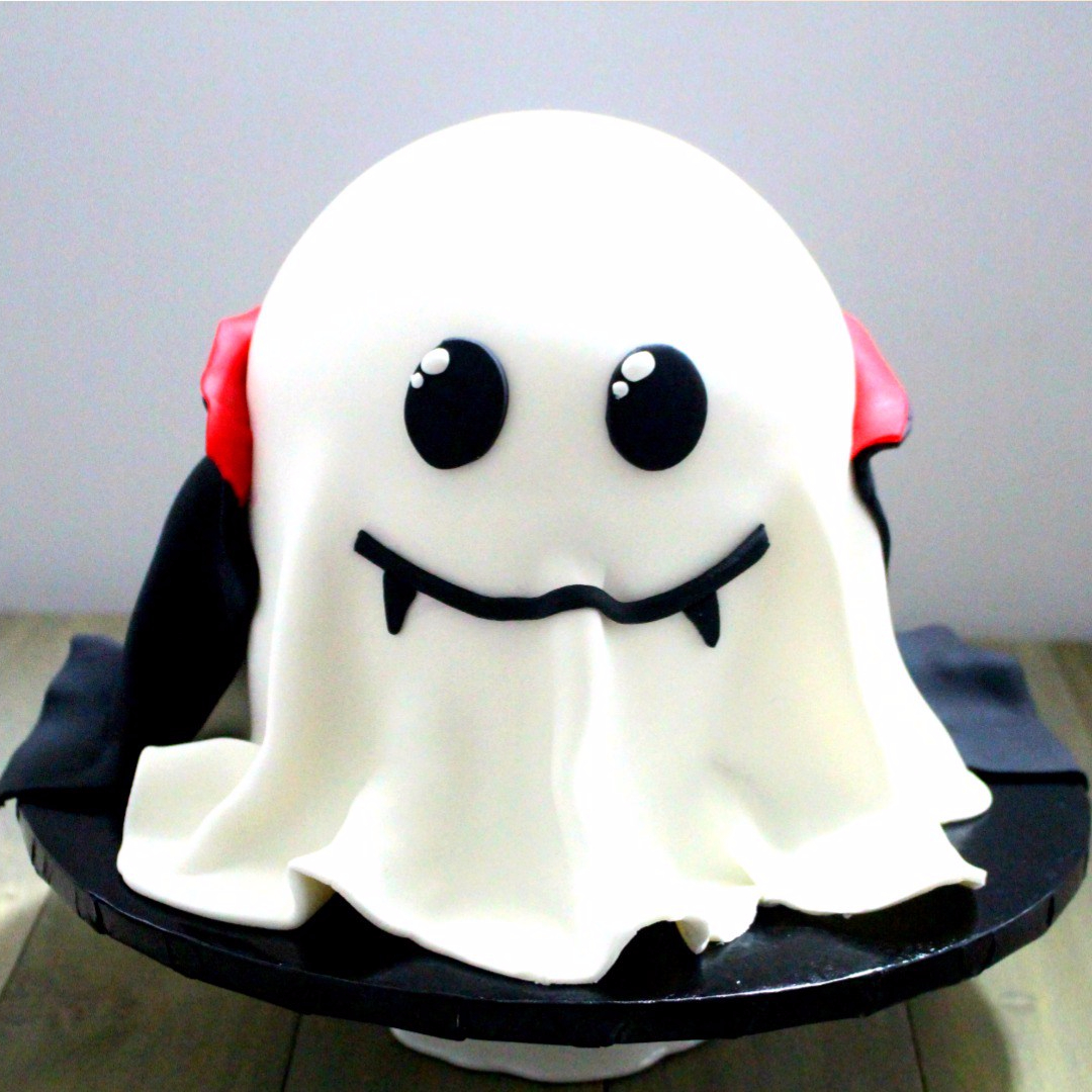Cute little ghost cake