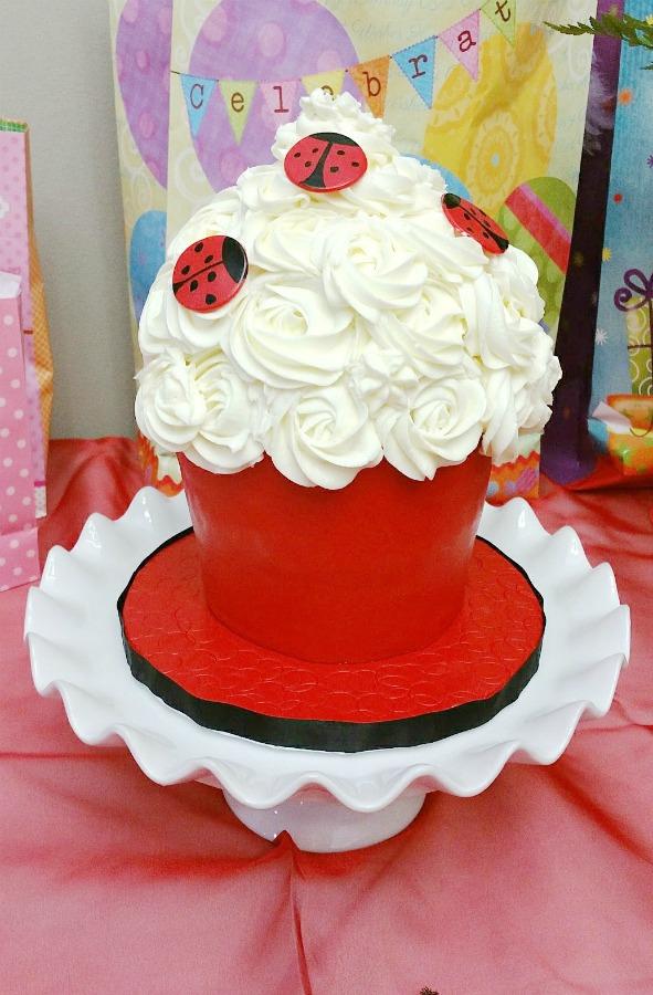 Behind the Cake ~ Giant Cupcake Cake - How to make a big cupcake step by step