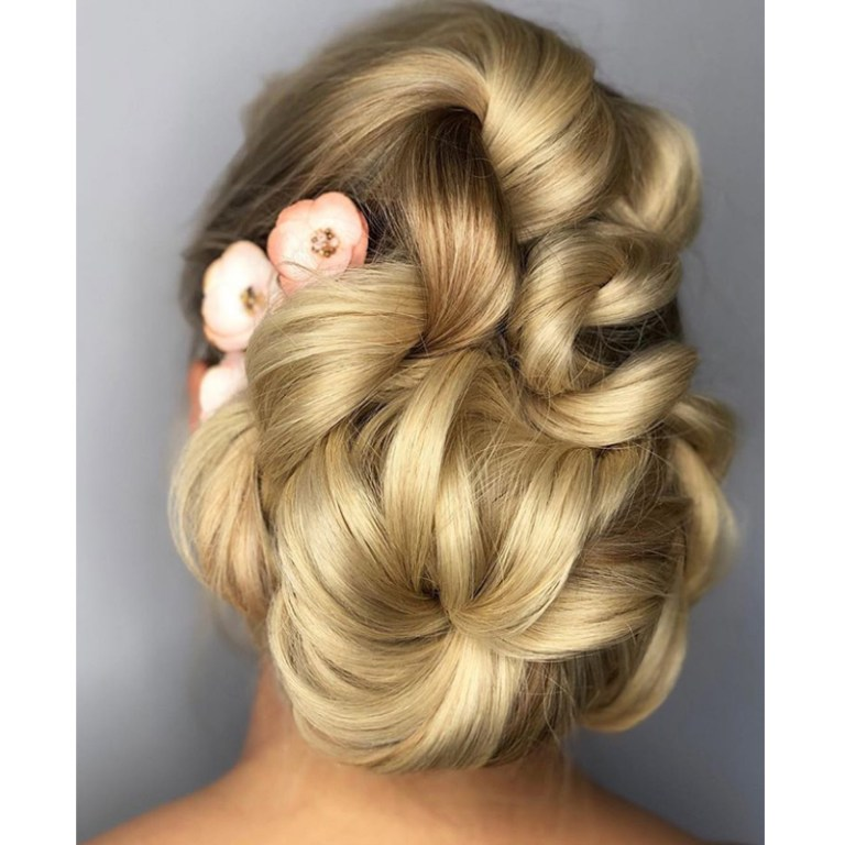 Kenra-Annette-Waligora-Dry-Oil-Mist-Chignon-Featured-Image