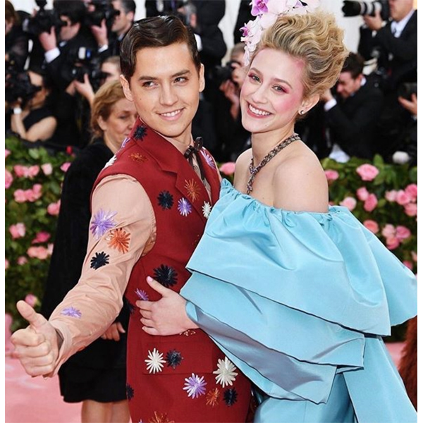Matt Rez @colorbymattrez Lili Reinhart Baby Blonde Haircolor Formula Met Gala 2019 Natural Colors Lowlights Highlights Redken