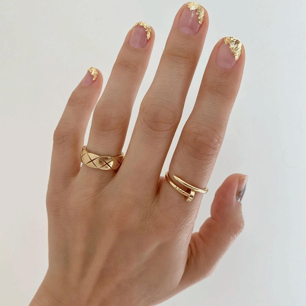 betina_goldstein-gold-foil-nails