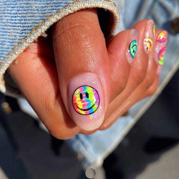 kaddyfromthewest-tie-dye-nails