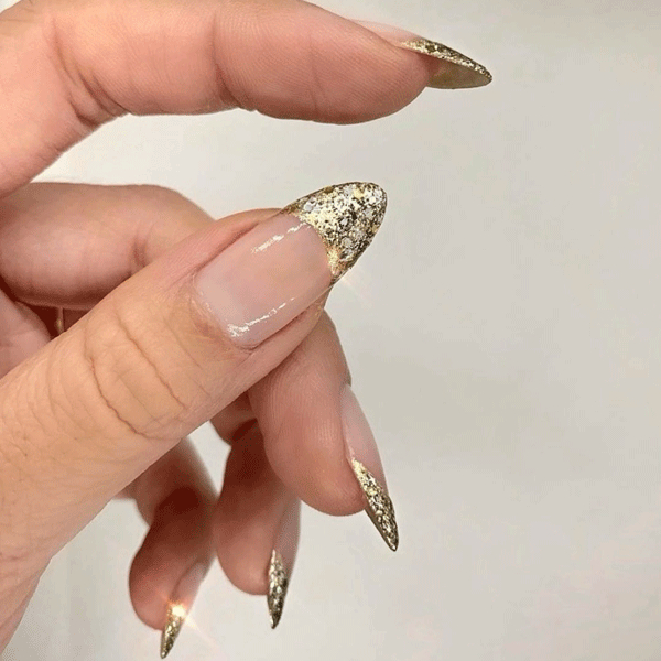 gold-nail-artnailartbyqueenie