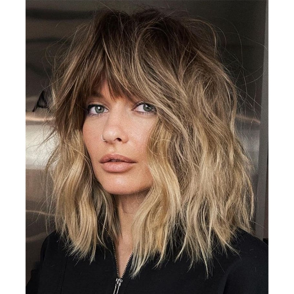 fall 2021 hair color trends rooty warm balayage blonde