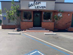 Salon Lever