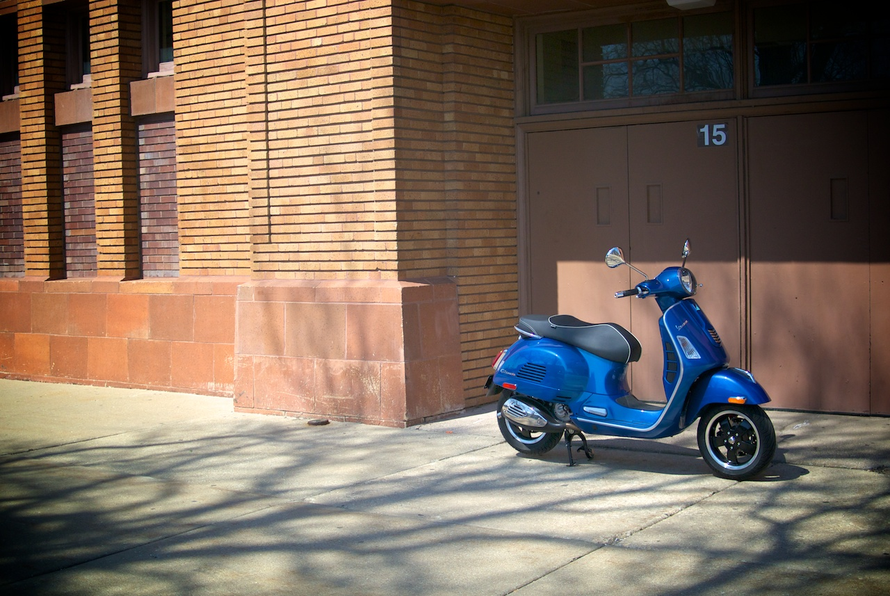 2015 vespa gts 300 range first look motorcycle usa -  Who Is This Bike Really For It Would Be Easy To Say It S For Everybody And That S Certainly True With Some Basic Rider Training The Gts Would