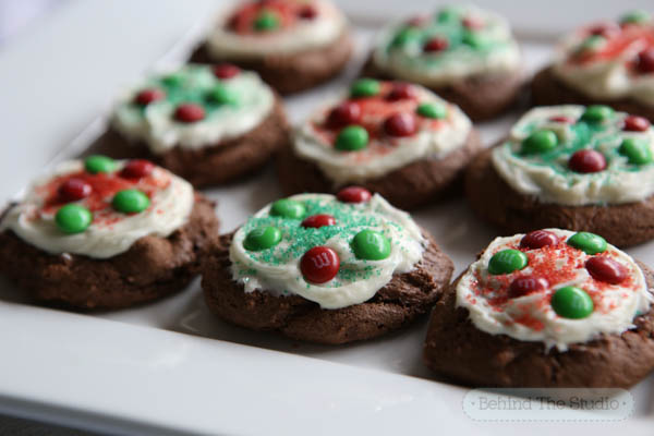 White Chocolate Peppermint Fudge with Holiday M&M's from Target - #HolidayBaking #ad