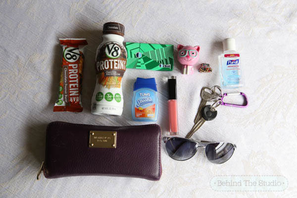 The things I never leave home without - my V8 Protein Shakes and Bars #LoveV8Protein #cbias #ad