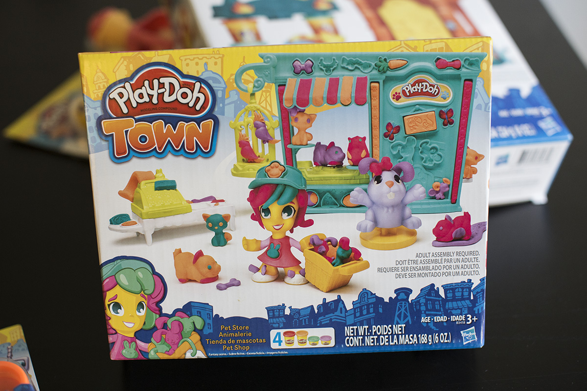 Celebrating World Play-Doh day with the new Play-Doh Town Collection #PlayDohTown #IC #AD