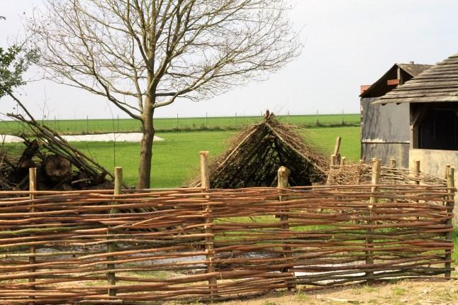 Archeologisch museum Velzeke - buiten - Nervisch dorp 1