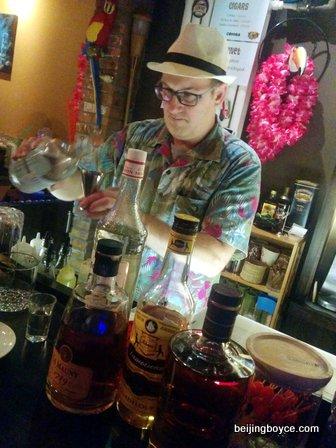 Beijing hutong pub crawl with Cafe de la Poste, Lark, Flow, Bungalow, Ron Mexico, Chill, 8 Bit, Dada and Temple. (6)