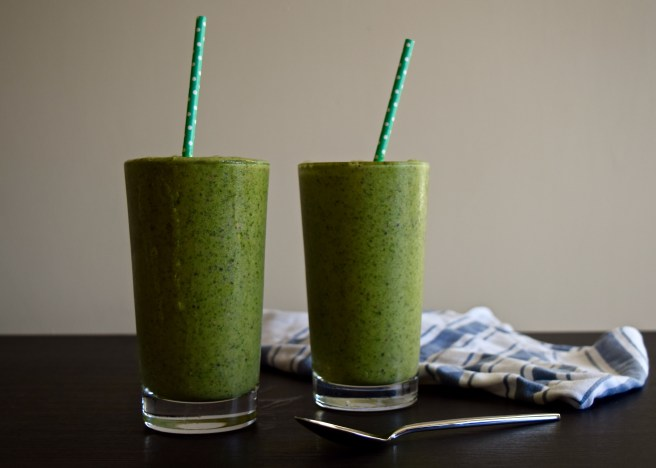 Kiwi-Peach Dairy-Free Green Smoothie | In Fine Fettle