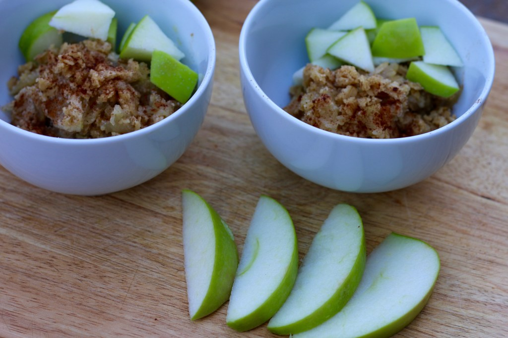 Gluten-free Apple Crisp with grass-fed & organic ghee that's perfect for the holidays! Recipe from Brigid Titgemeier of Beingbrigid